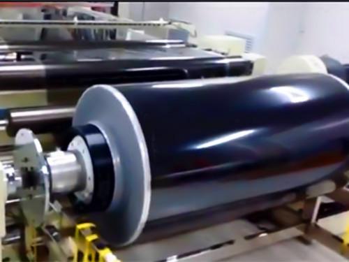 大尺寸模切机调试完工正式投产